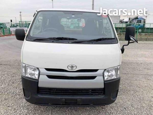 Toyota Hiace Bus 2,0L 2016-3
