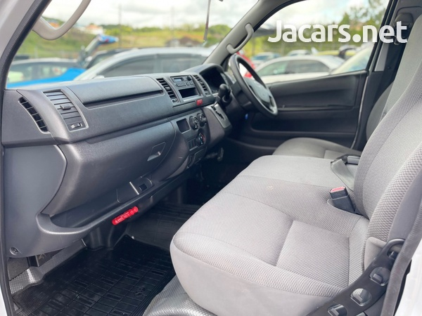 Toyota Hiace 2,0L 2017-9