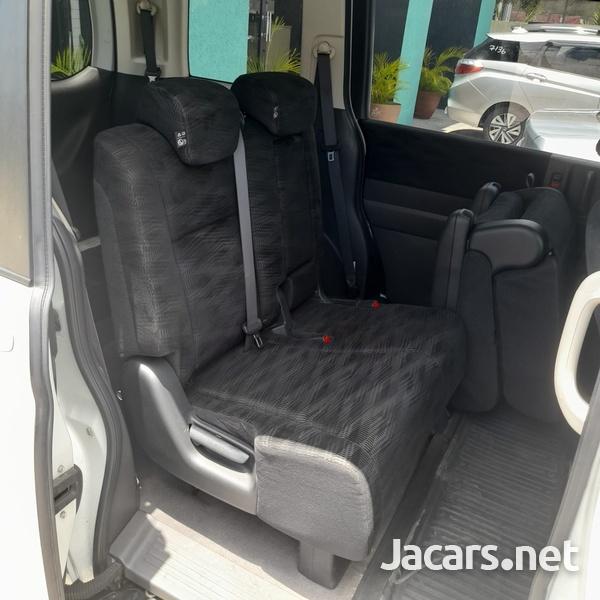 Honda Stepwgn 2,0L 2015-10