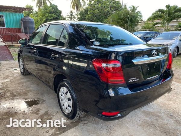 Toyota Axio 1,3L 2017-3