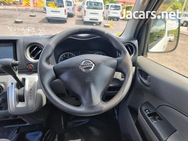Nissan Caravan 2,5L 2016-14