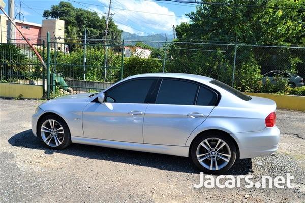 BMW 3-Series 2,0L 2010-4