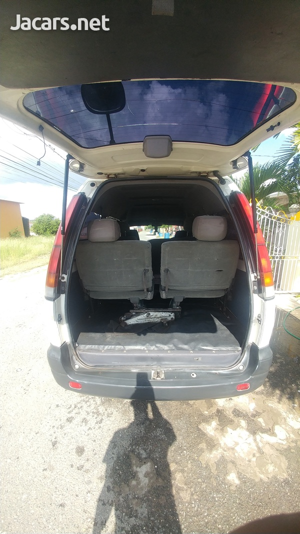 Toyota town Ace-5