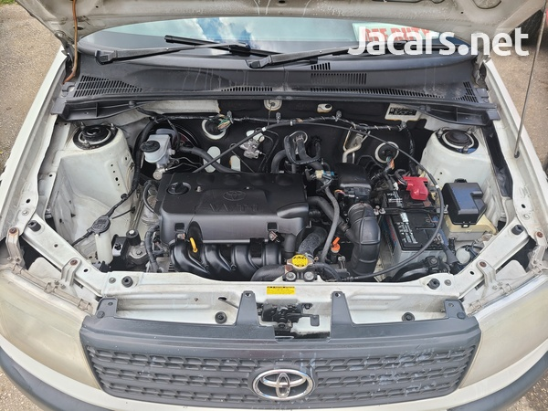 Toyota Probox 1,5L 2010-10
