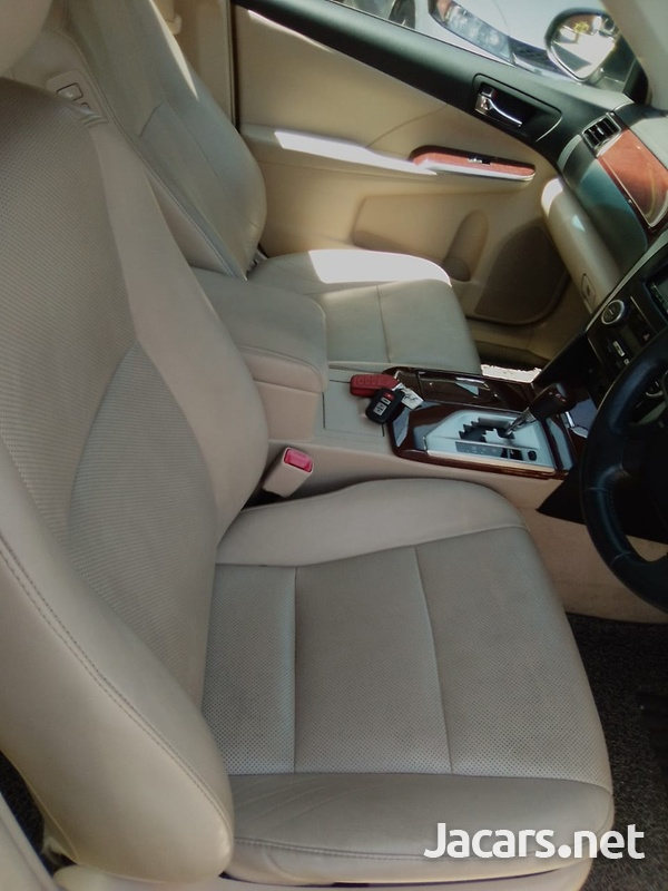 Toyota Camry 2,0L 2014-9