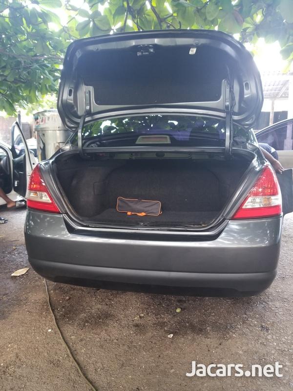 Nissan Tiida 1,7L 2007-6