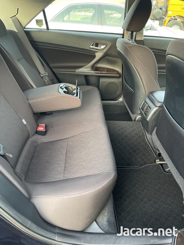 Toyota Mark X 2,5L 2018-12