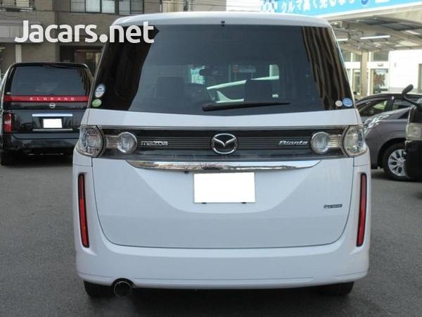 Mazda Biante 1,8L 2012-4