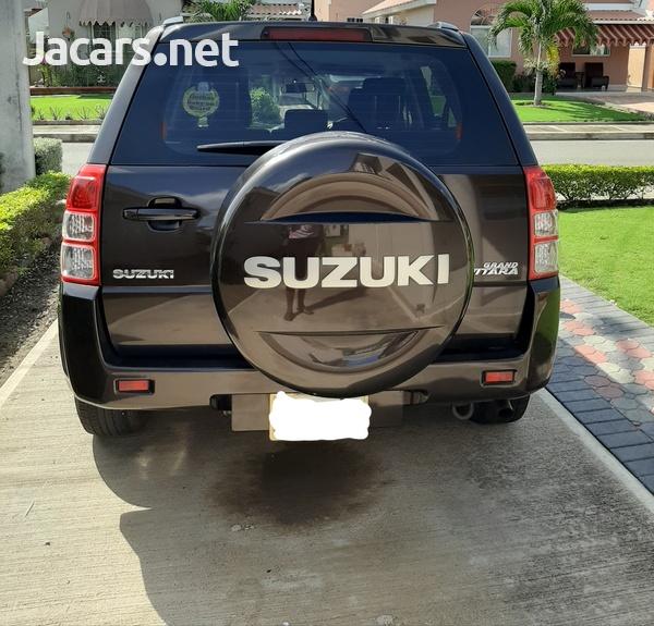 Suzuki Grand Vitara 2,0L 2013-6