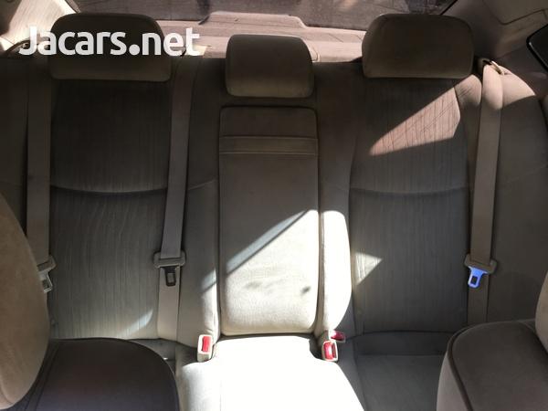 Nissan Fuga 1,4L 2012-4