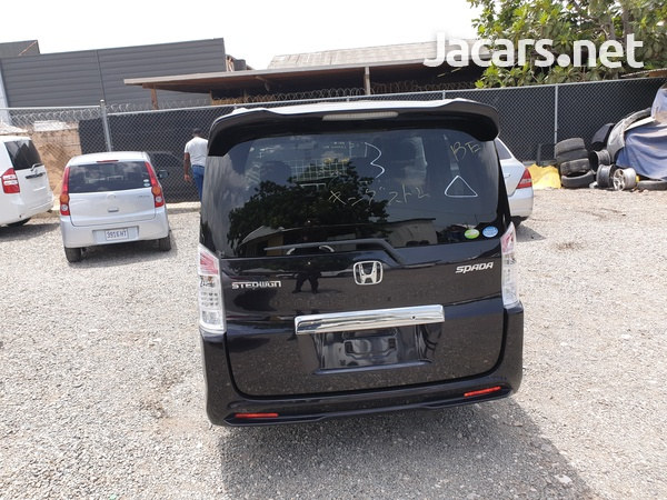Honda Step wagon Spada 2,0L 2011-4