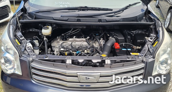 Toyota Noah 2,0L 2012-12