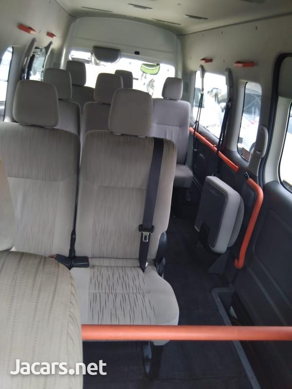 Nissan NV 350 2,5L 2015-6