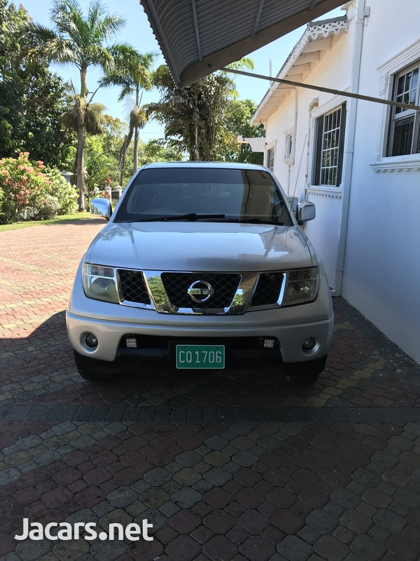 Nissan Navara 3,0L 2009 LE-1