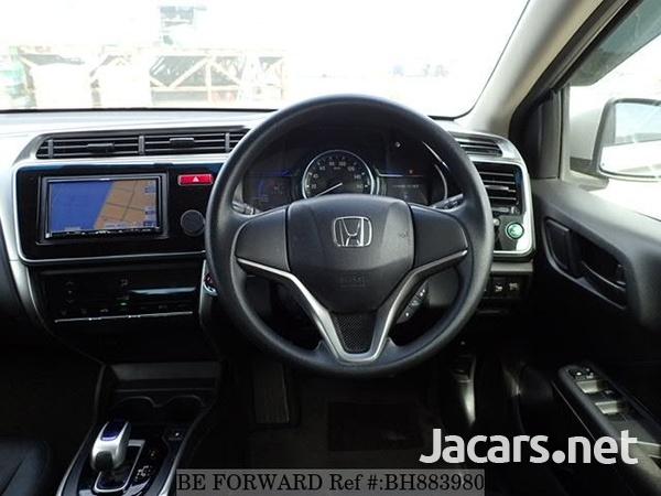 Honda Grace 2,0L 2015-10