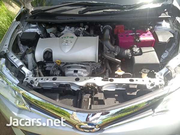 Toyota Axio 1,5L 2015-12