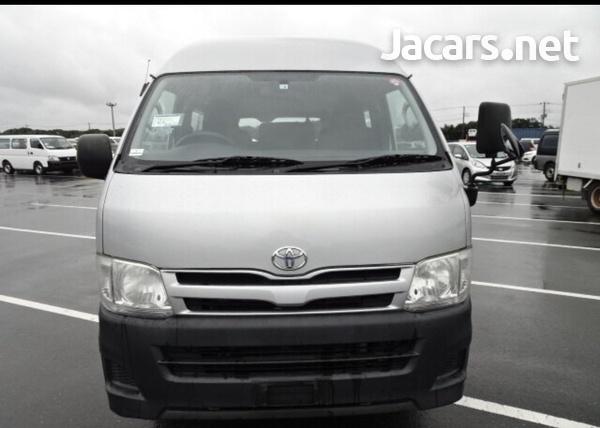 2011 Toyota Hiace Bus-2