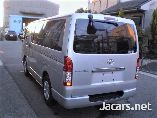 Toyota Regiusace GL Package 2,0L 2012-2