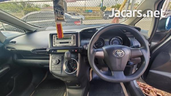 Toyota Wish 1,8L 2011-5