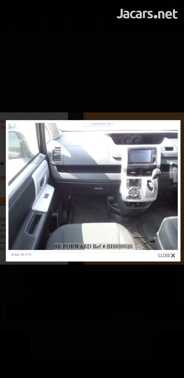 Honda Stepwgn 2,0L 2013-7