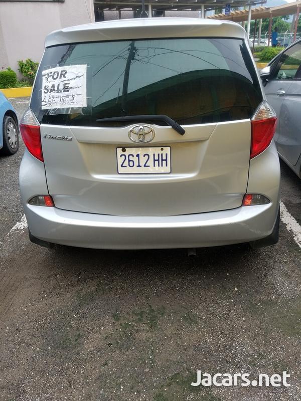 Toyota Ractis 1,5L 2011-7