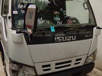 2006 Izuzu LIFT Truck