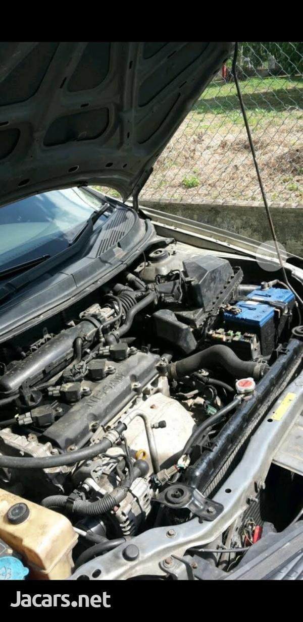 Nissan Primera 2,5L 2005-5