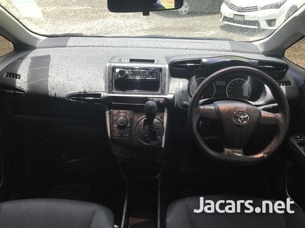 Toyota Wish 2,0L 2014-5