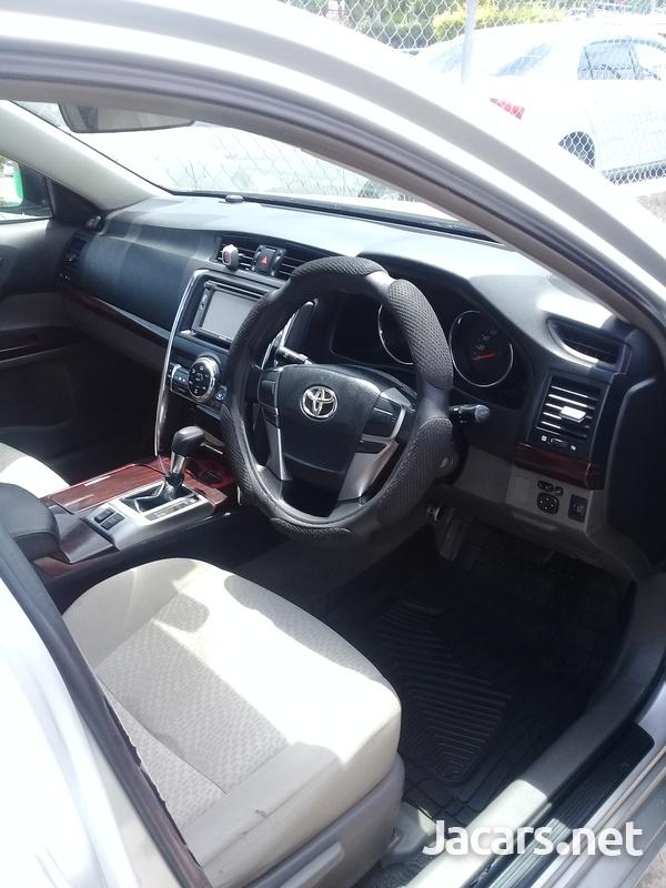 Toyota Mark X 2,5L 2012-8