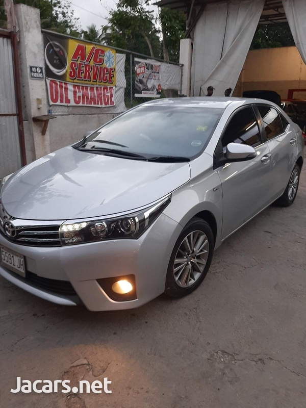 Toyota Corolla Altis 1,6L 2014-1