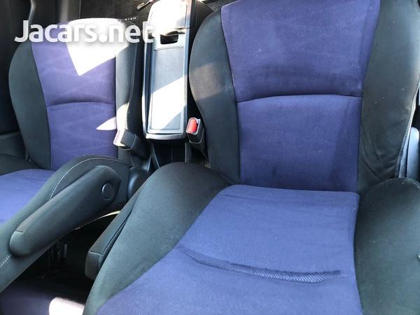 Toyota Wish 1,8L 2012-6