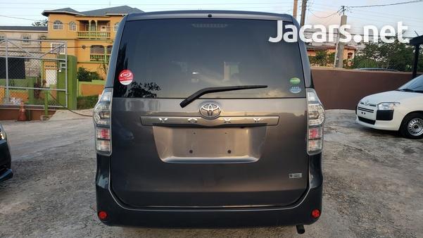 Toyota Voxy 2,0L 2012-12