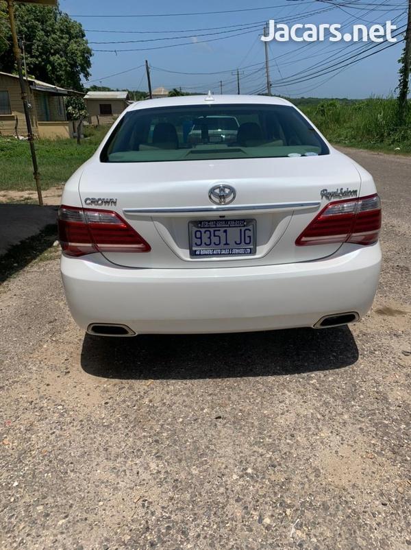 Toyota Crown 2,5L 2010-5
