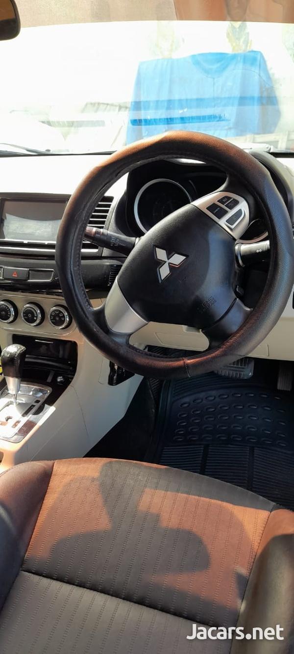 Mitsubishi Lancer 2,0L 2013-7
