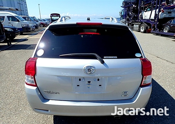 Toyota Fielder 1,8L 2013-5