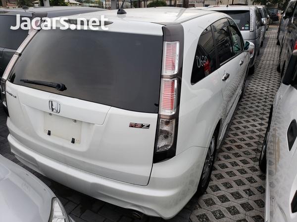Honda Stream 1,8L 2014-3