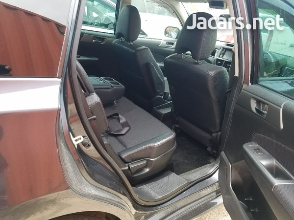 Subaru Exiga 2,0L 2012-8