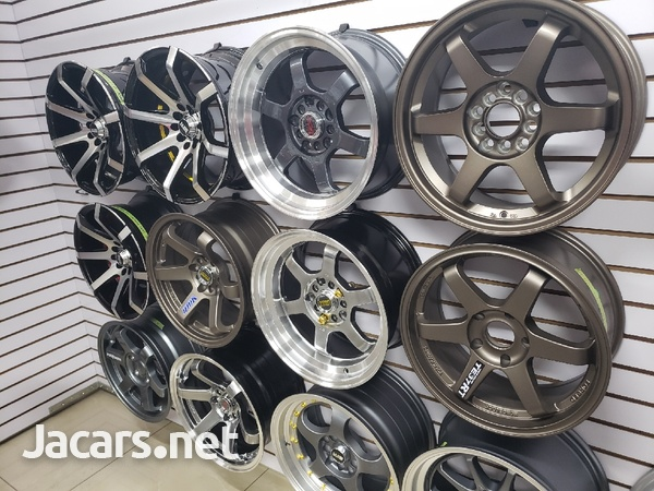 Rims, Diffuser, lugs, steering cover, back up camera, touchscreen radio, etc-16
