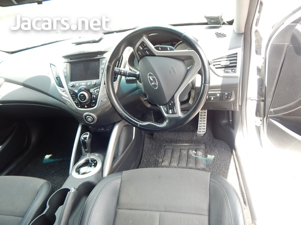 Hyundai Veloster 1,6L 2014-8