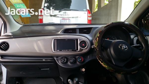 Toyota Vitz 1,0L 2012-13