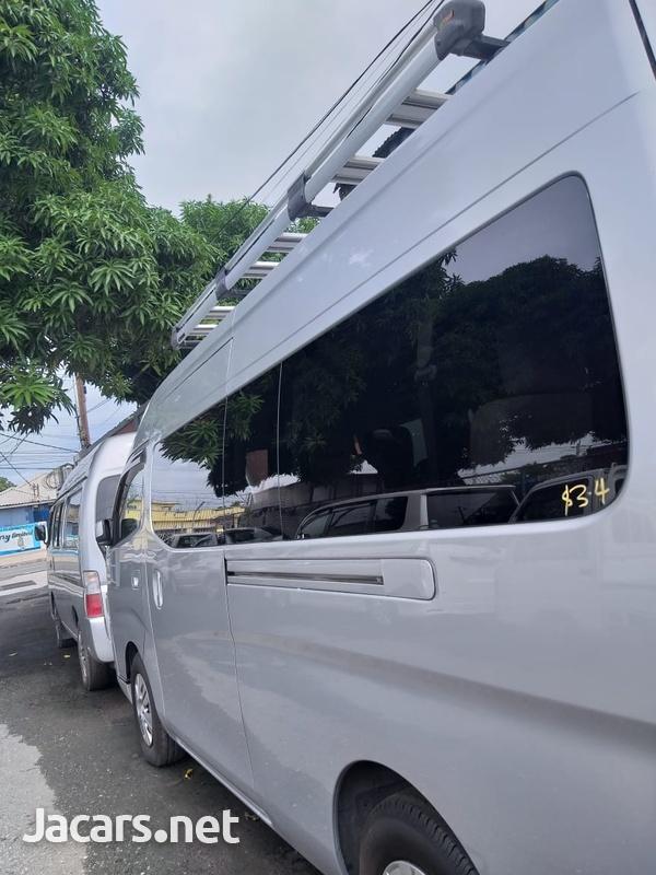 Nissan Caravan 2,0L 2014-3