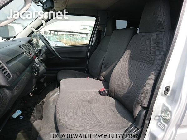 Toyota Hiace 2,5L 2016-10