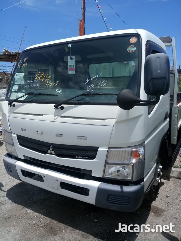 Mitsubishi Canter Truck 2011-1