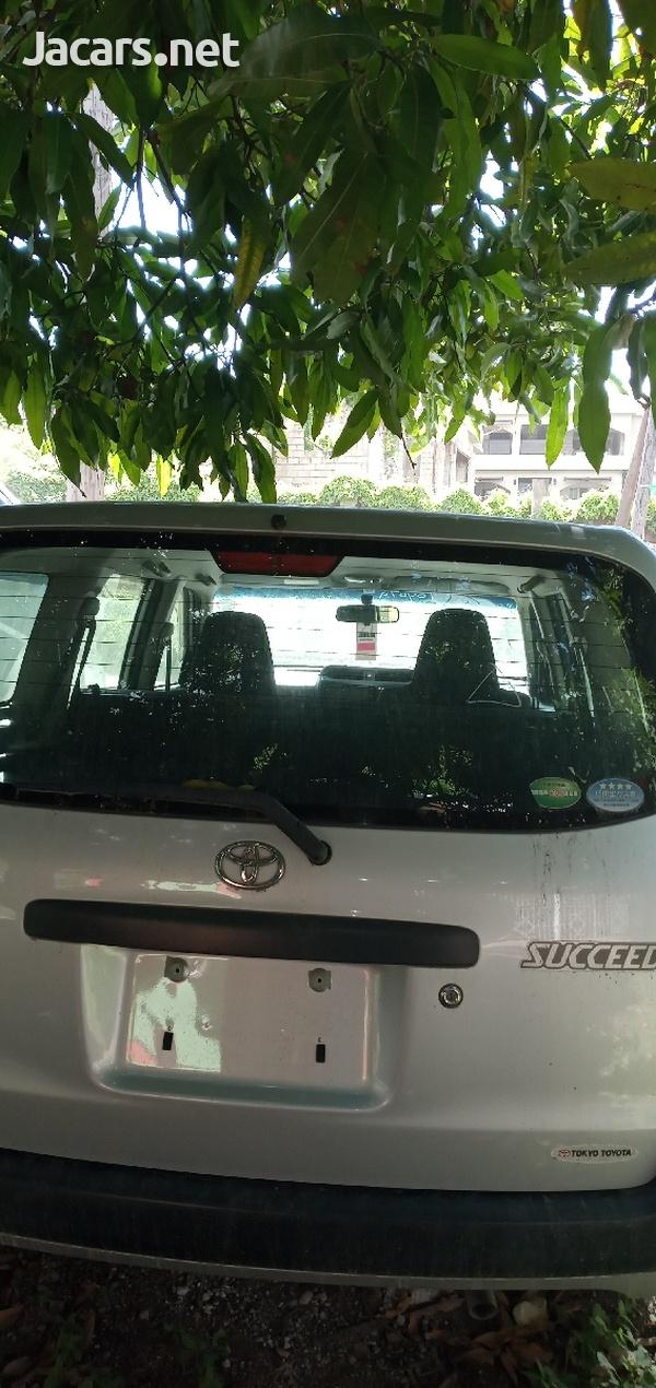 Toyota Succeed 1,5L 2014-4