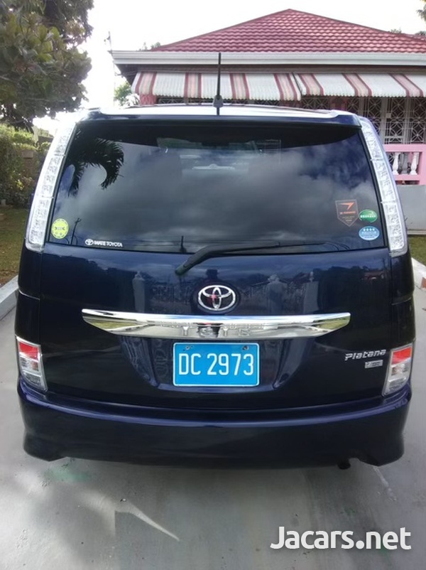 Toyota Isis 1,8L 2013-4