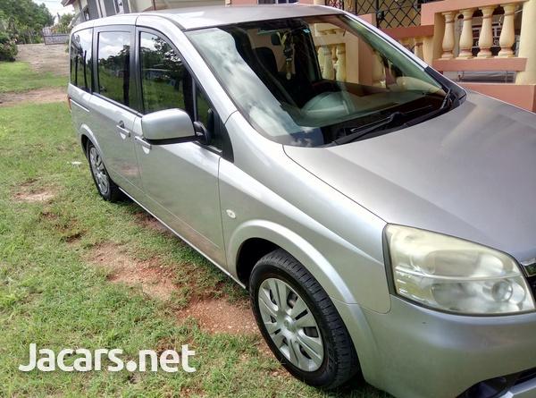 Nissan LaFesta 2,0L 2011-1