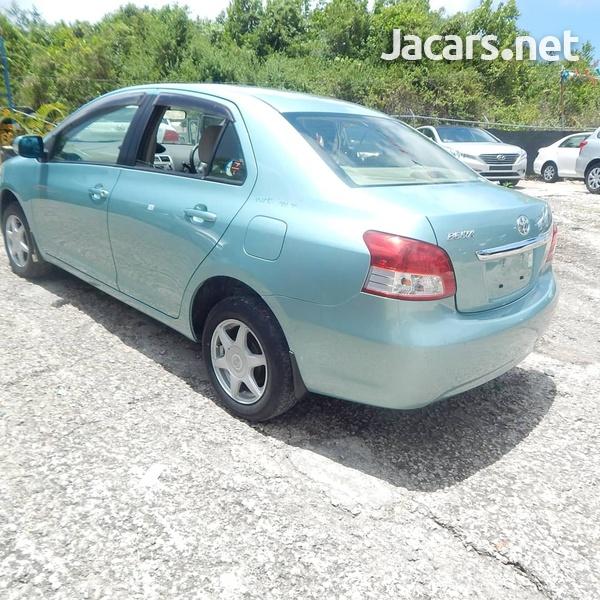Toyota Belta 1,3L 2012-8