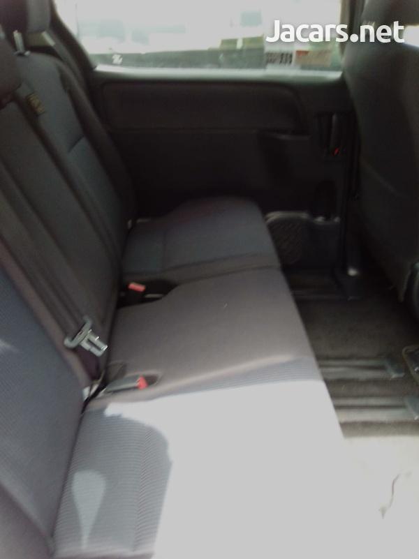 Toyota Noah 2,0L 2015-4