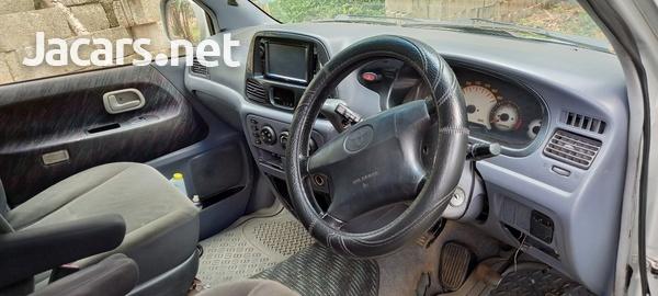 Toyota Noah 2,0L 2000-5