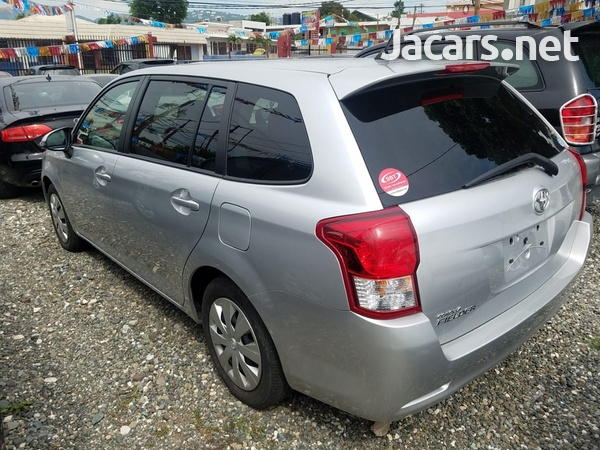 Toyota Fielder 1,9L 2014-4